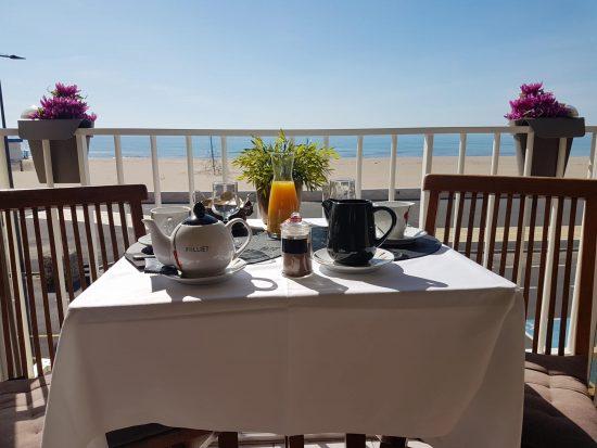 Petit déjeuner Hotel de la plage Narbonne